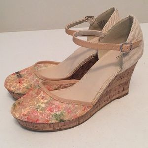 Apt 9 lace wedge shoes